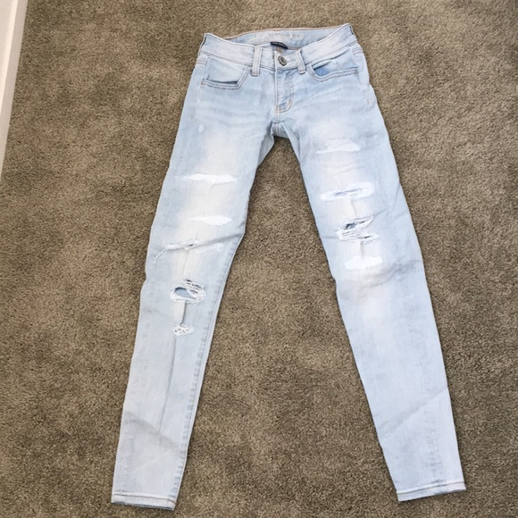 American Eagle Outfitters Denim - Light ripped jeans